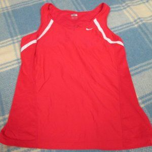NIKE WORKOUT TANK TOP BUILT IN BRA SIZE SMALL